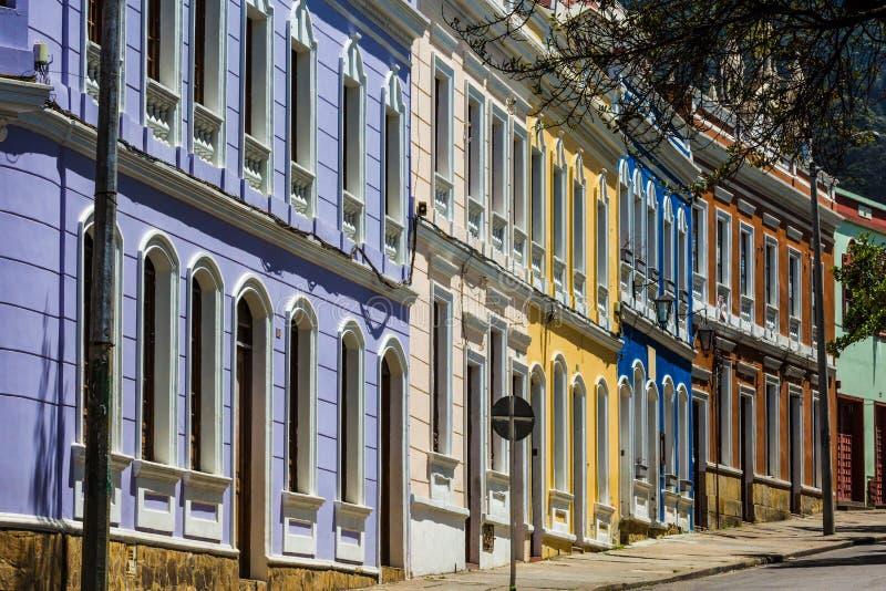 La坎德拉里亚角五颜六色的街道波哥大哥伦比亚 免版税库存图片