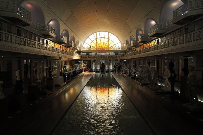 La鱼的艺术馆广角看法和产业,鲁贝法国 图库摄影