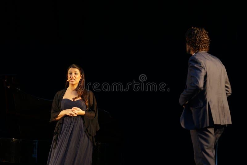 La ópera de Metroplitan en el parque 24 de Crotona imagenes de archivo