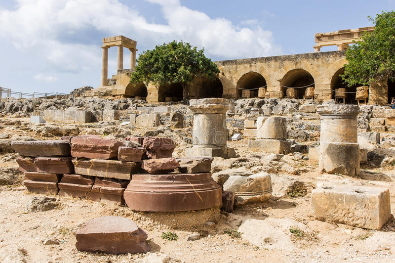 La acrópolis de Lindos foto de archivo libre de regalías