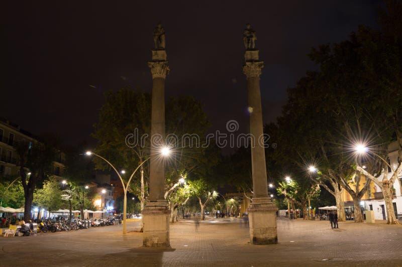 La Alameda DE Hercules in Sevilla bij Nacht, Spanje royalty-vrije stock foto