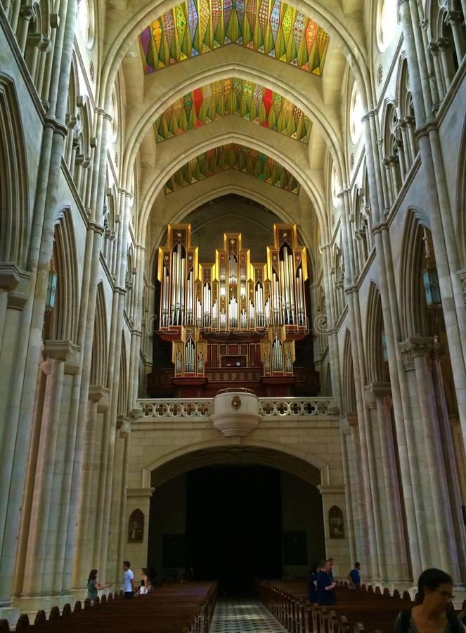 La Almudena - één van de mooiste kerken in de stad van Madrid, Spanje stock afbeeldingen