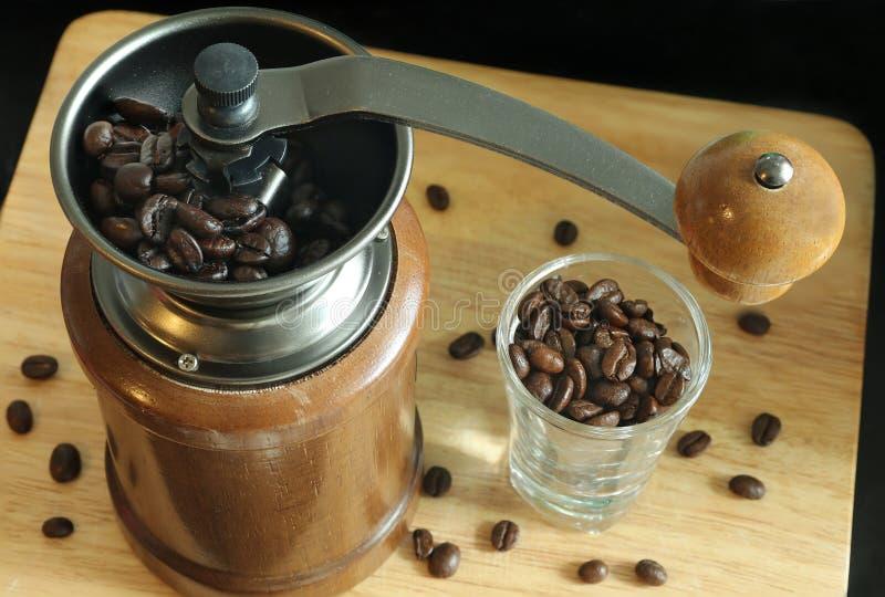 La amoladora de café imagen de archivo