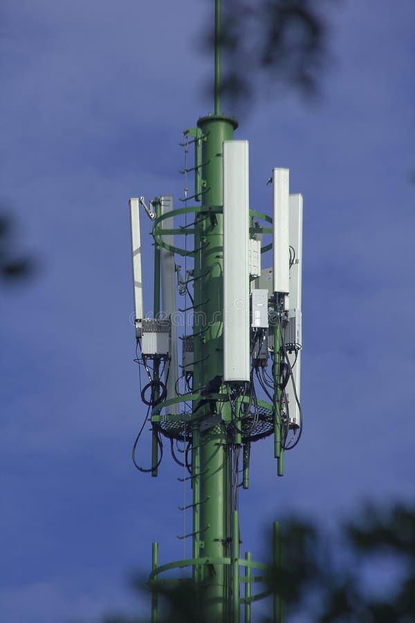 La antena es un dispositivo que transmite a través del aire imágenes de archivo libres de regalías