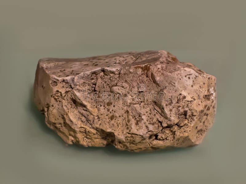La arcilla de bola es un mineral formado de la erosión y del transporte por el agua de las rocas de padre foto de archivo libre de regalías