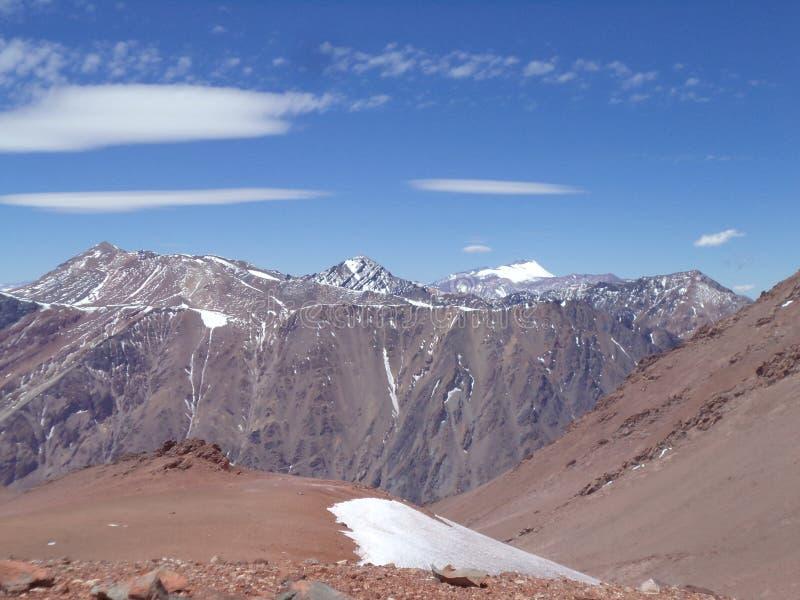 La Argentina - picos famosos - que camina en Cantral los Andes - picos alrededor de nosotros imagenes de archivo