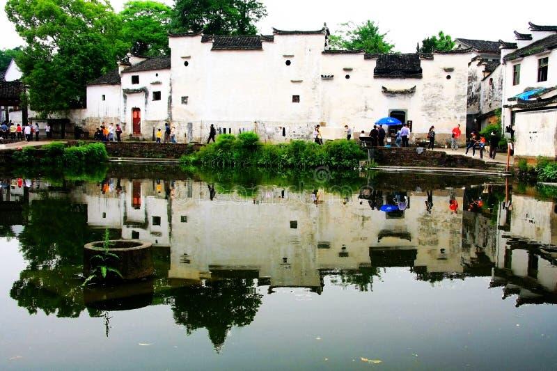 La arquitectura antigua en pueblo del bagua del zhuge, la ciudad antigua de China imagen de archivo