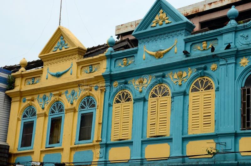 Download La Arquitectura Colorida De Peranakan Del Art Déco Amarillo Y Azul Contiene Hat Yai Tailandia Imagen editorial - Imagen de colonial, ecléctico: 64201015