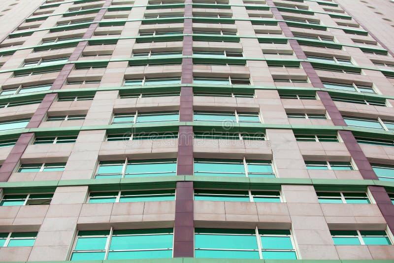 La arquitectura detalla el backg de cristal constructivo moderno del negocio de la fachada fotos de archivo