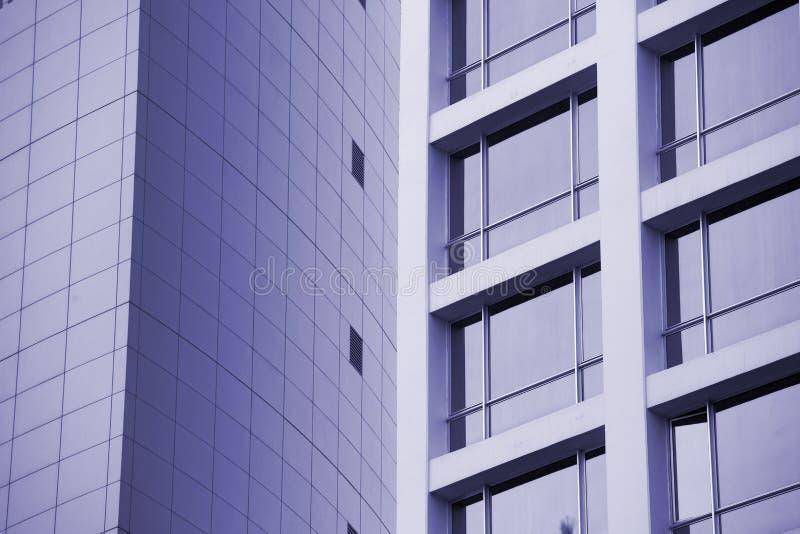 La arquitectura detalla el backg de cristal constructivo moderno del negocio de la fachada foto de archivo libre de regalías