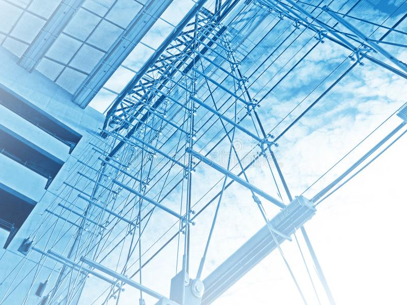 La arquitectura detalla el edificio moderno del tejado de cristal imagen de archivo