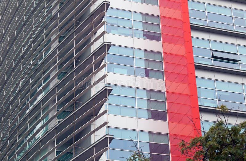 La arquitectura detalla la fachada de cristal constructiva moderna imágenes de archivo libres de regalías