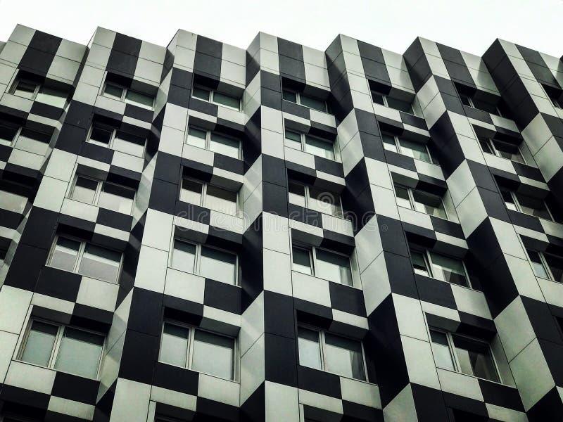 La arquitectura negra y blanca de Kyiv céntrico foto de archivo