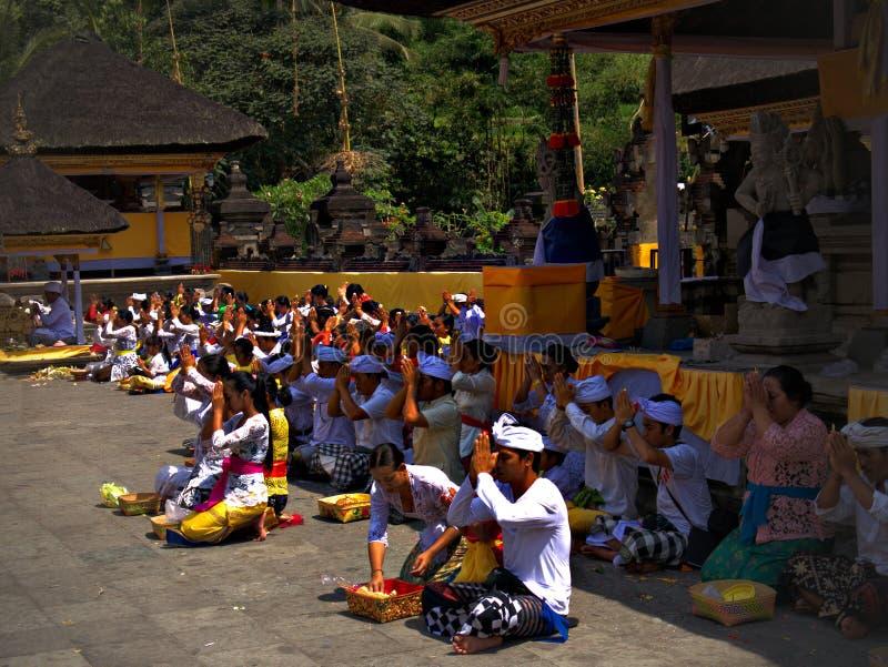 la asignación del ` archiva el templo de aguas santas, Bali, Indonesia, Asi del ` fotos de archivo