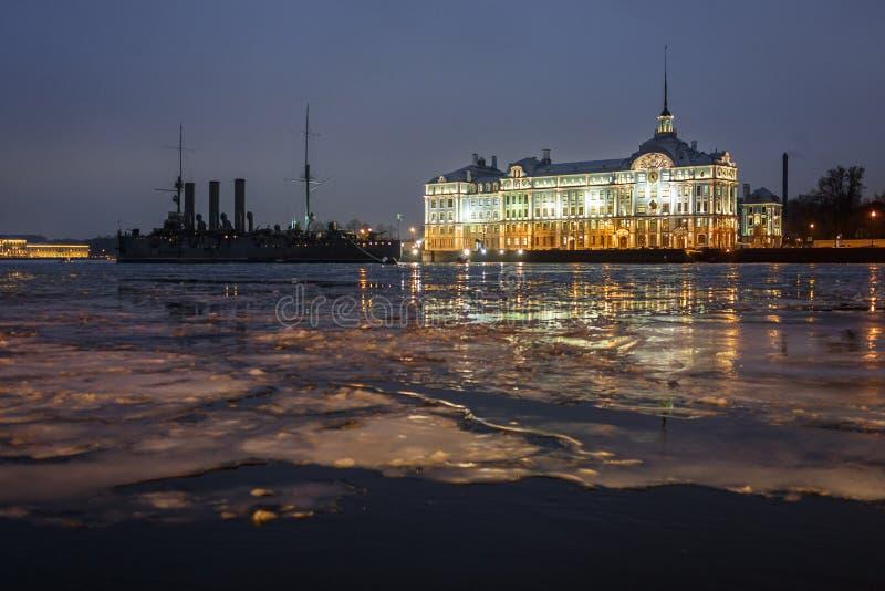 La aurora del crucero, St Petersburg imágenes de archivo libres de regalías