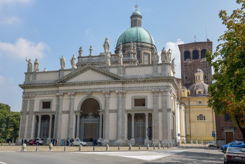 La bóveda de la catedral de Bercelli en Piamonte, Italia foto de archivo libre de regalías