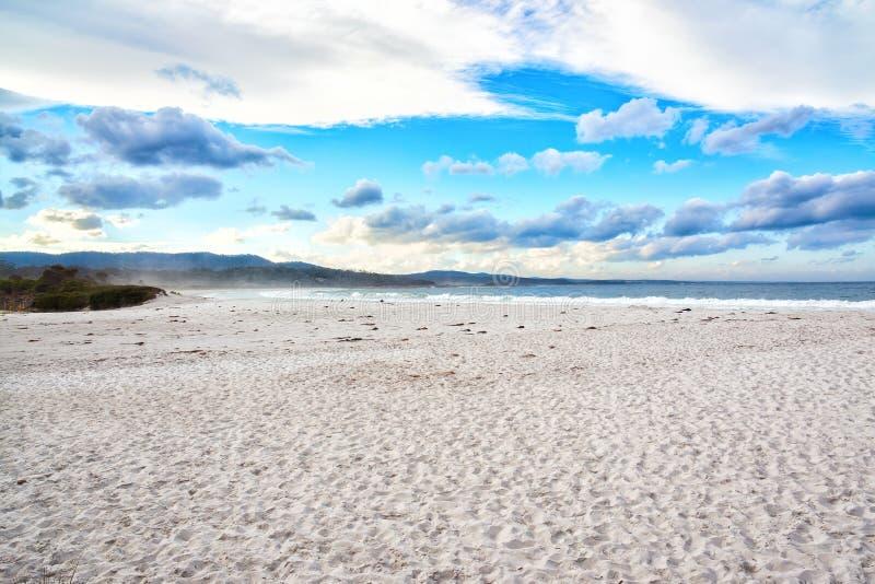 La bahía de fuegos, costa este Tasmania, Australia foto de archivo libre de regalías