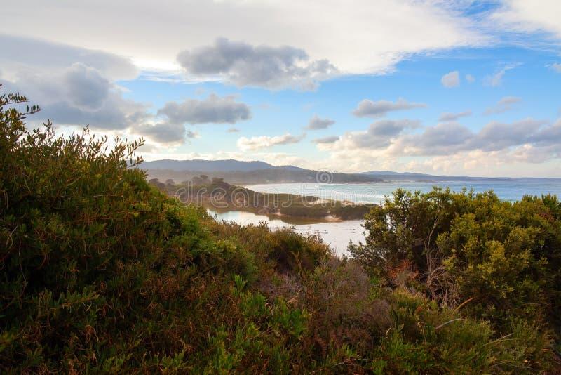 La bahía de fuegos, costa este Tasmania, Australia imagenes de archivo