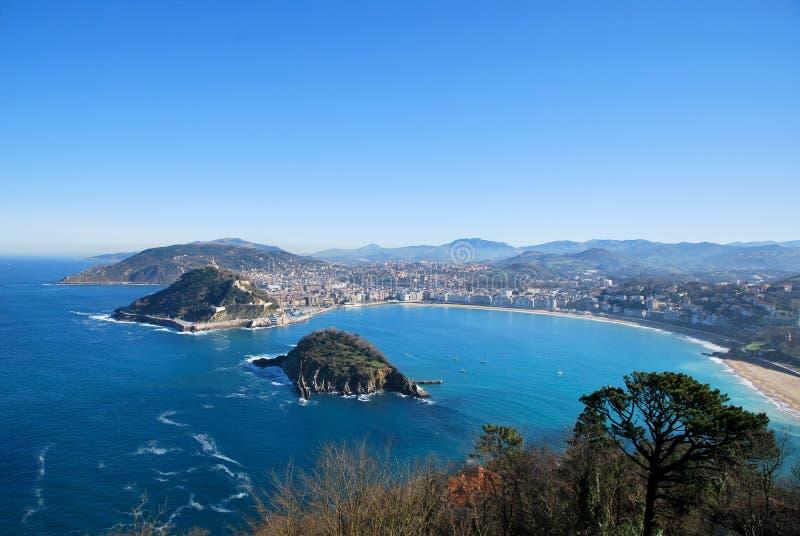 La bahía de San Sebastian en España foto de archivo libre de regalías