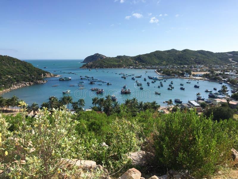 La bahía de Vinh Hy en Phan sonó, Vietnam foto de archivo libre de regalías