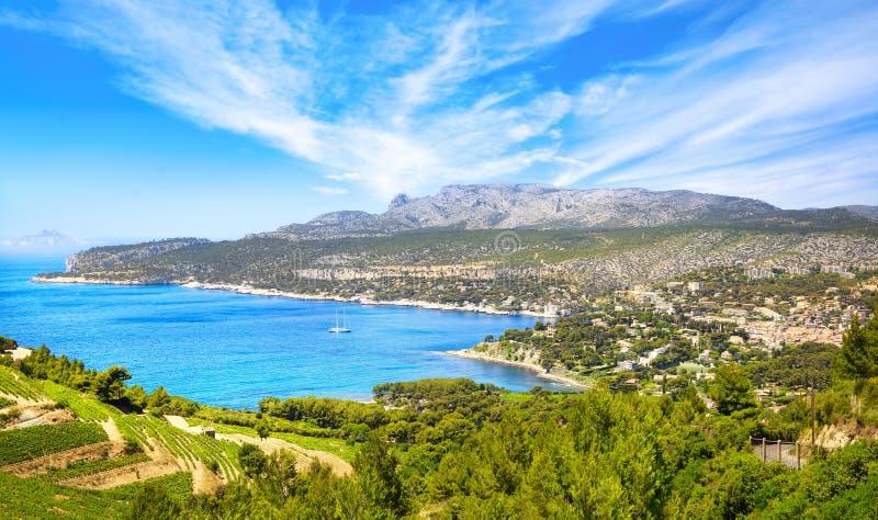 La baie de Cassis depuis la route des cretes Côte d'Azur, Provence, France image stock