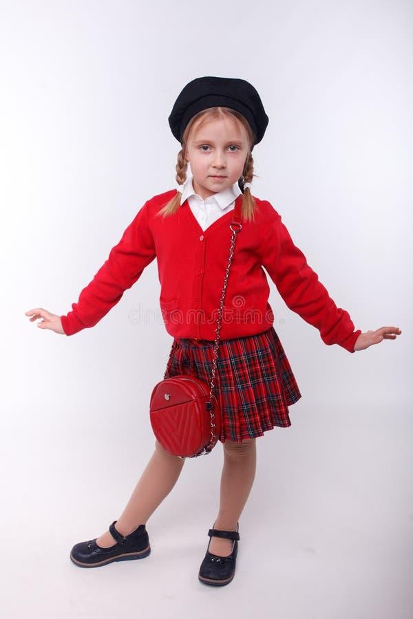 La bambina che posa nello studio fotografia stock libera da diritti
