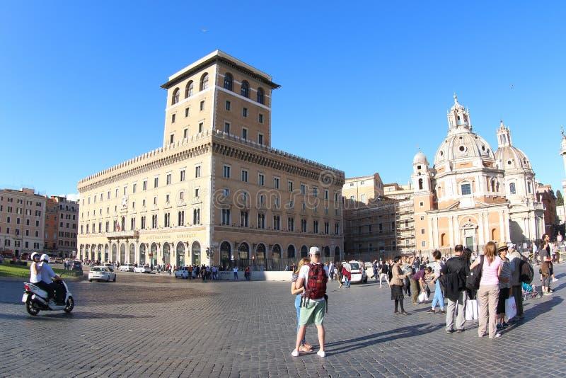 La Banca italiana e la chiesa di Santa Maria di Loreto, Roma fotografia stock libera da diritti