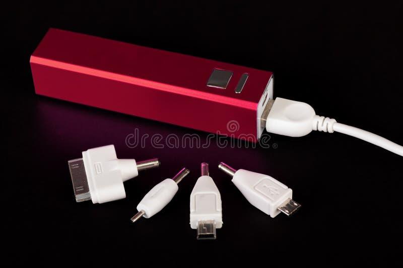 La Banca portatile di potere per i dispositivi mobili di carico immagini stock libere da diritti