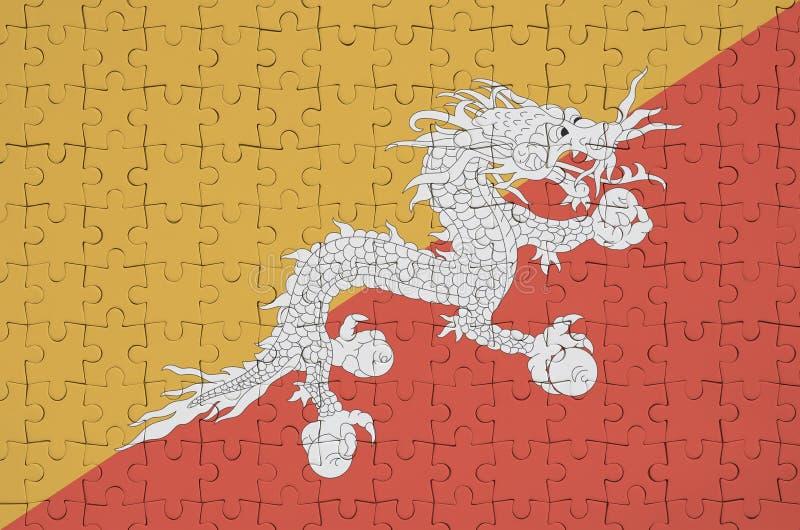 La bandera de Bhután se representa en un rompecabezas doblado ilustración del vector