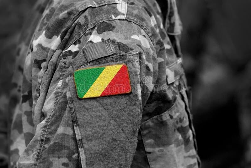 La bandera de Congo en soldados arma Ejército, tropas, militares, África c foto de archivo
