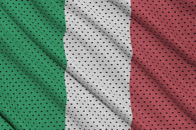La bandera de Italia imprimió en una tela de malla de nylon de la ropa de deportes del poliéster w ilustración del vector