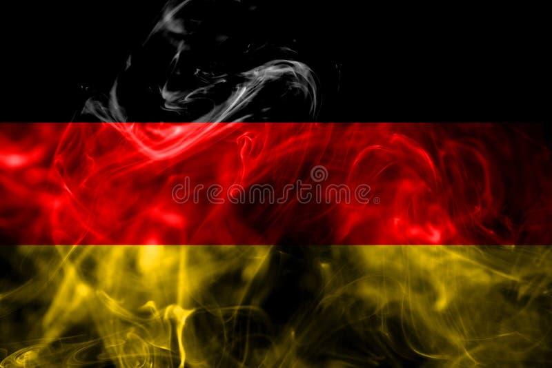La bandera nacional de Alemania hizo del humo coloreado aislado en fondo negro Fondo sedoso abstracto de la onda libre illustration