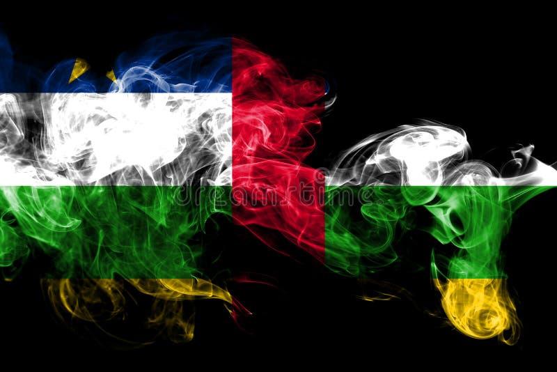La bandera nacional de la República Centroafricana hizo del humo coloreado aislado en fondo negro Fondo sedoso abstracto de la on ilustración del vector