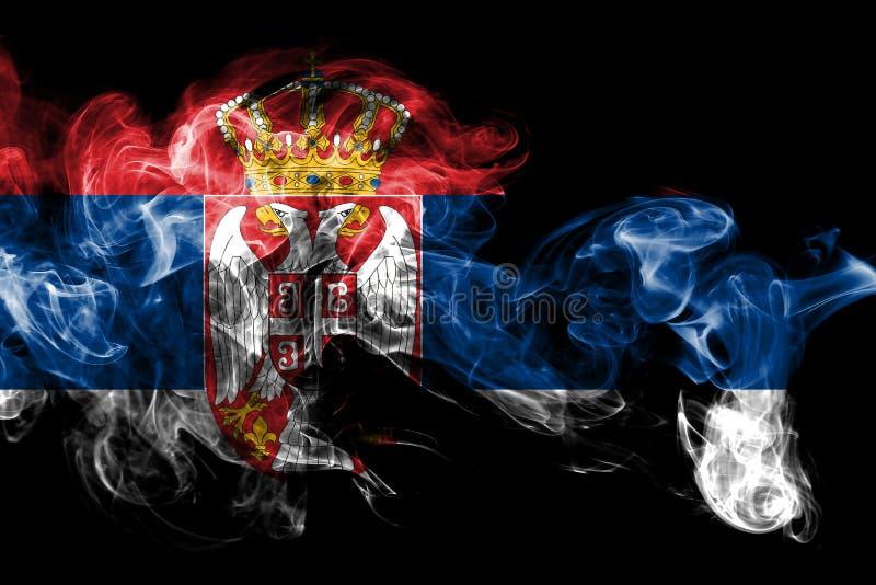 La bandera nacional de Serbia hizo del humo coloreado aislado en fondo negro Fondo sedoso abstracto de la onda ilustración del vector