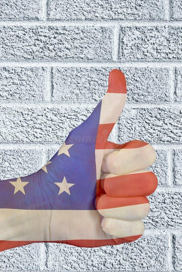 La bandera patriótica manosea con los dedos encima de muestra ilustración del vector