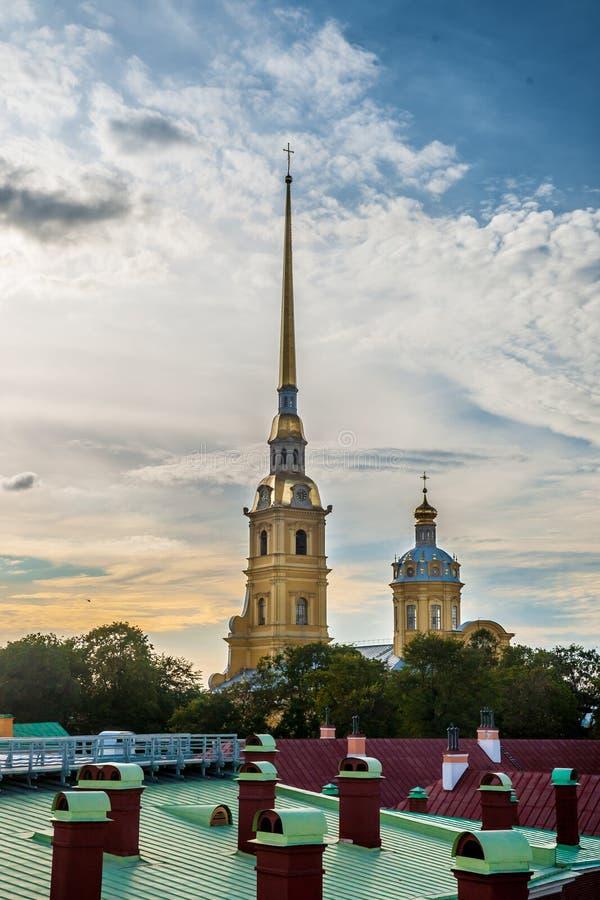 La bandera rusa de la fortaleza imágenes de archivo libres de regalías