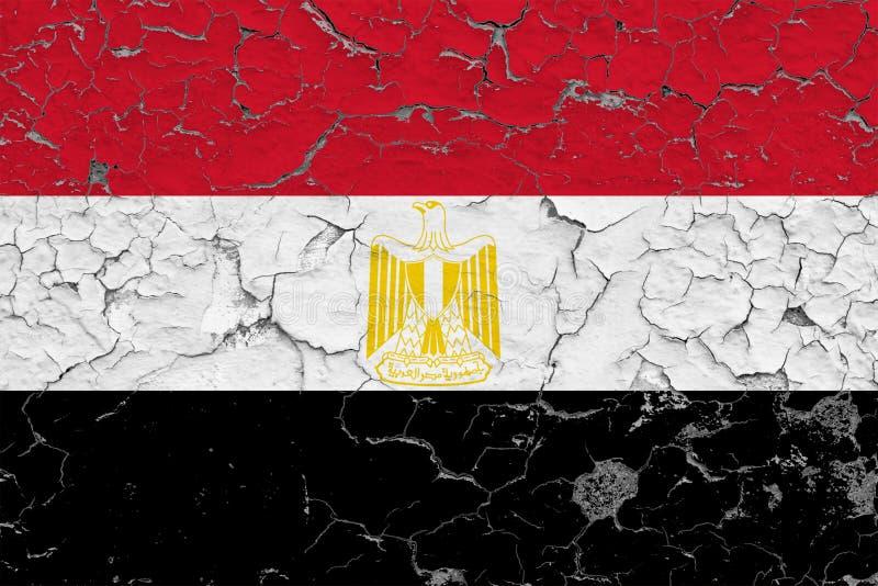 La bandiera dell'Egitto ha dipinto sulla parete sporca incrinata Modello nazionale sulla superficie d'annata di stile immagini stock libere da diritti