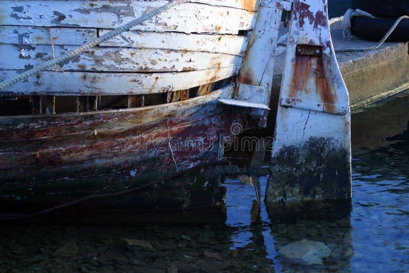 La barre de direction du bateau de pêche images libres de droits