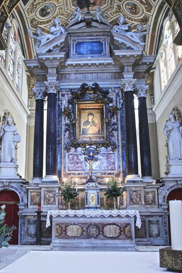 La basílica altera Italia imagenes de archivo
