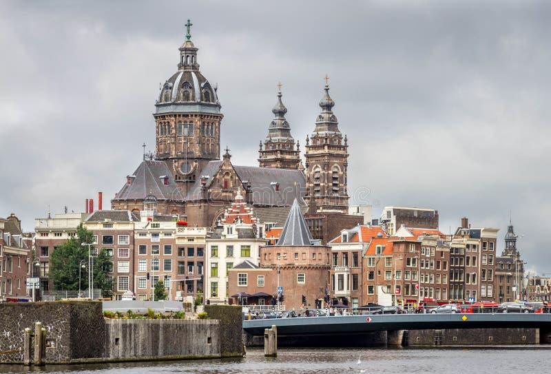 La bas lica de san nicol s en el distrito del centro de for B b ad amsterdam centro