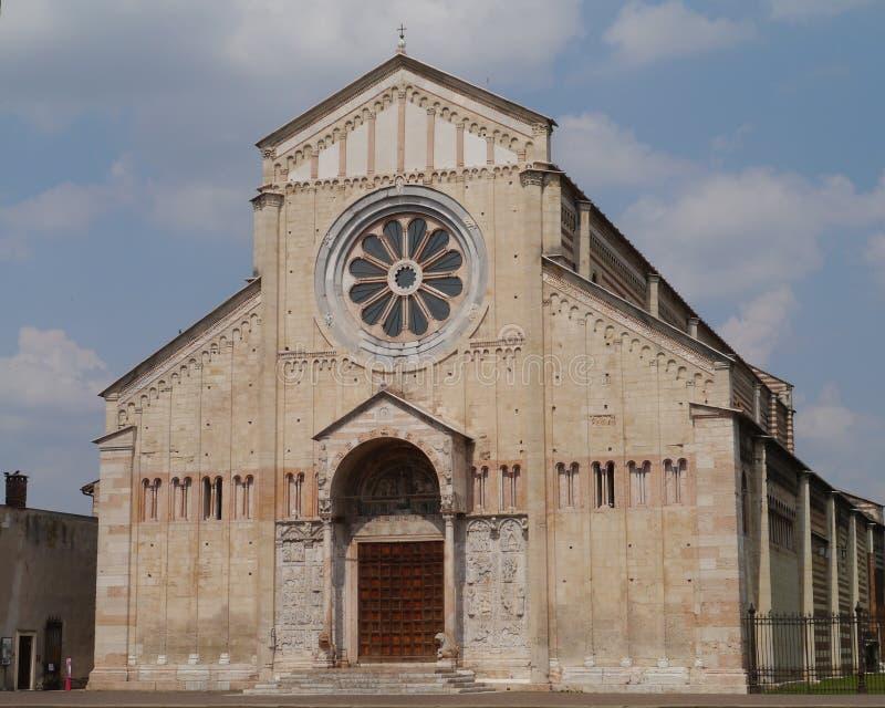 La basílica de San Zeno en Verona en Italia fotografía de archivo libre de regalías