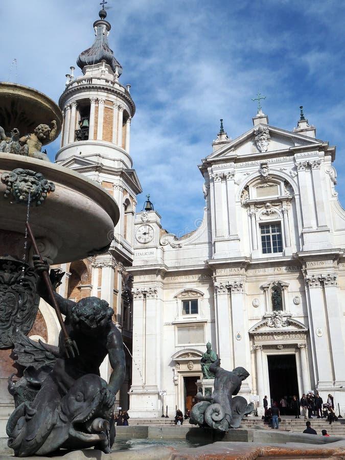 La basílica del santuario de la casa santa de Loreto en el AIE imagen de archivo