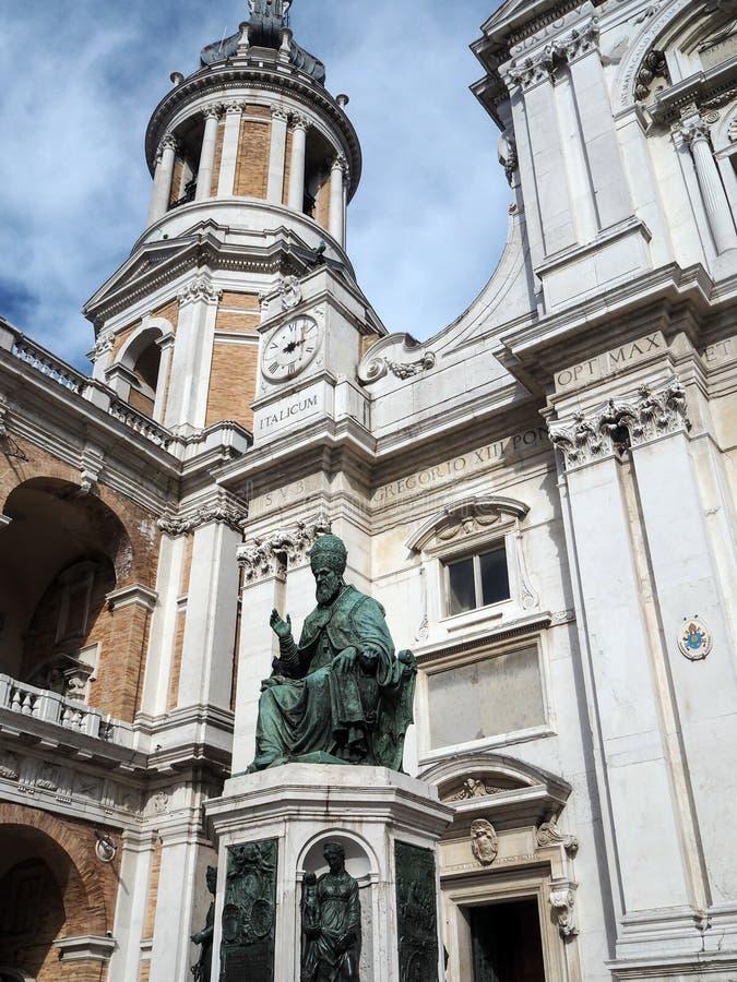 La basílica del santuario de la casa santa de Loreto en el AIE fotografía de archivo