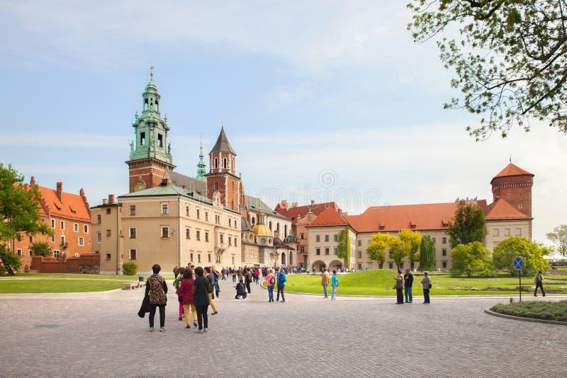 La basílica real de Archcathedral de los santos Stanislaus y Wenceslaus, Kraków imágenes de archivo libres de regalías