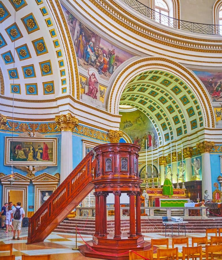 La basilica insolita rotunda, Mosta, Malta fotografia stock libera da diritti