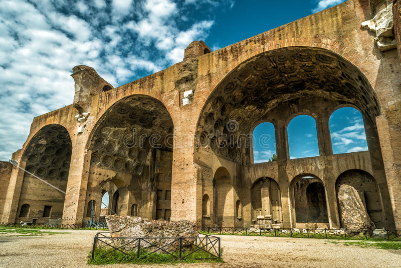 La basilique de Maxentius et de Constantine à Rome image stock