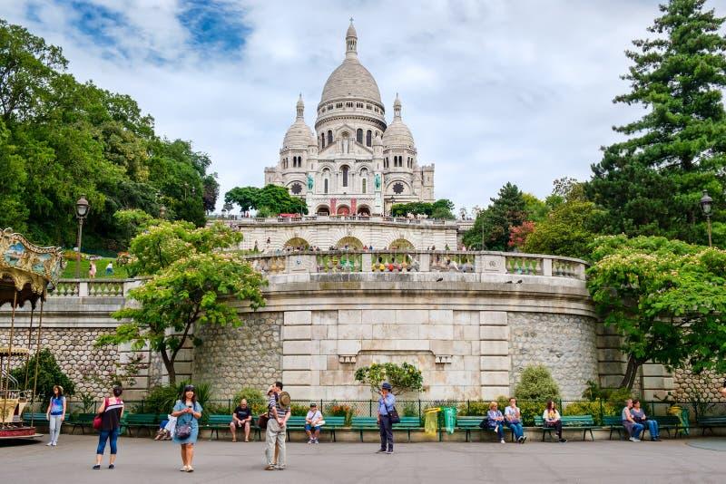 La basilique du coeur sacré sur la colline de Montmartre à Paris photographie stock