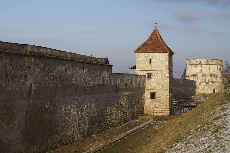 La bastion Bastionul Postavarilor de Drapers et les défenses dominent, Brasov, Roumanie photographie stock