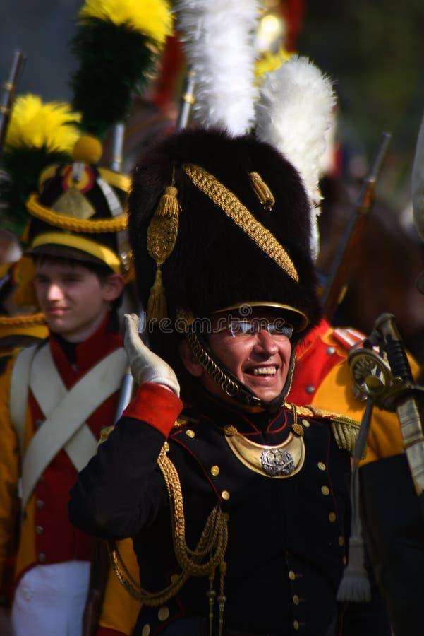 La bataille est terminée Défilé de Reenactors à la reconstitution historique de bataille de Borodino en Russie image stock