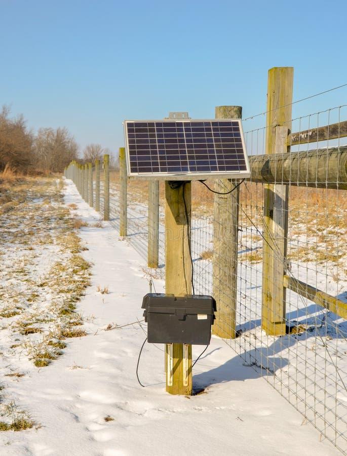 La batteria solare è una forma di energia rinnovabile fotografie stock libere da diritti